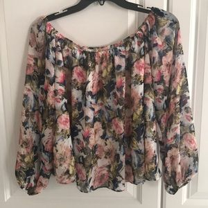 Tops - Off the shoulder cropped top